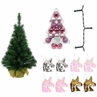 Kinderkamer kerstboom eenhoorn thema