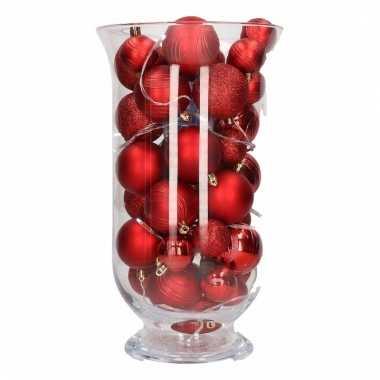 Woondecoratie vaas met rode kerstballen