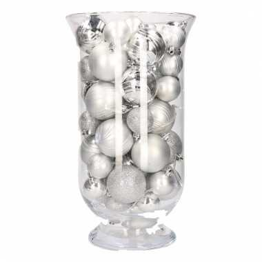 Woondecoratie vaas met zilveren kerstballen