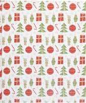 Wit kadopapier met rood groene kerst elementen