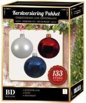 Witte donkerblauwe kerst rode kerstballen pakket 133 delig voor 180 cm boom